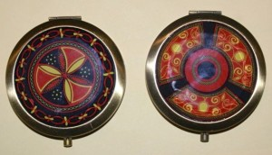 Compacts (two mirrors, no powder)